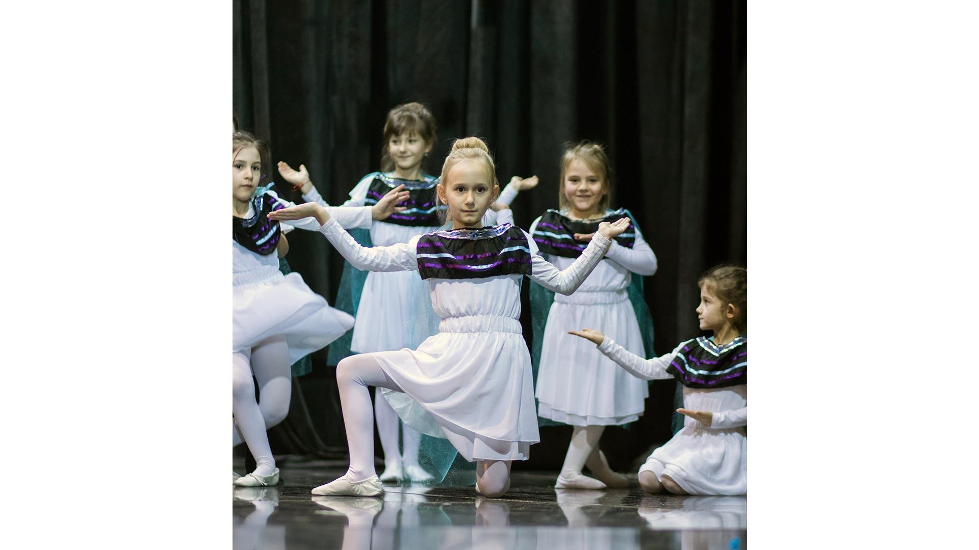 10-Детски-танцов-спектакъл-Пътешествие-към-дома