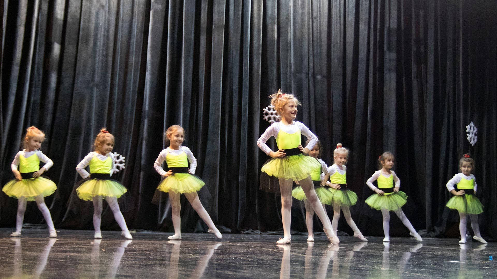 12-Детски-танцов-спектакъл-Пътешествие-към-дома