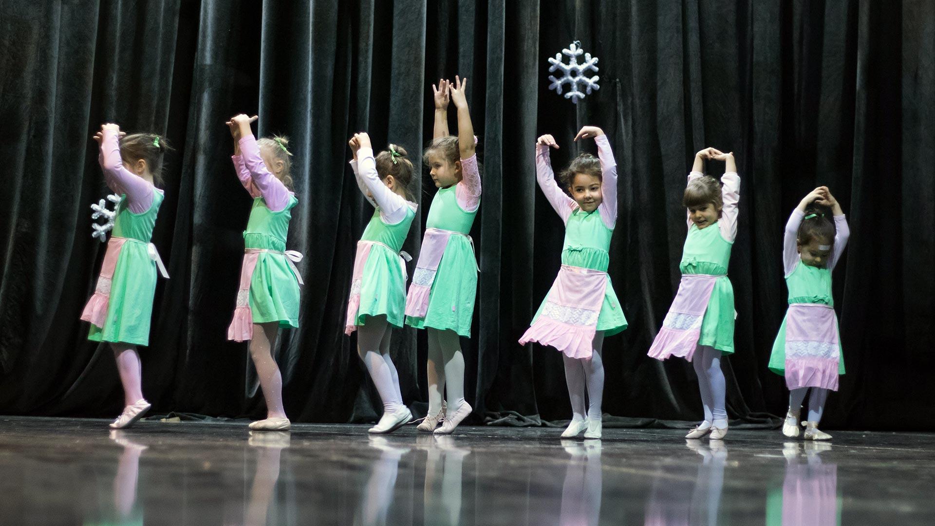 13-Детски-танцов-спектакъл-Пътешествие-към-дома