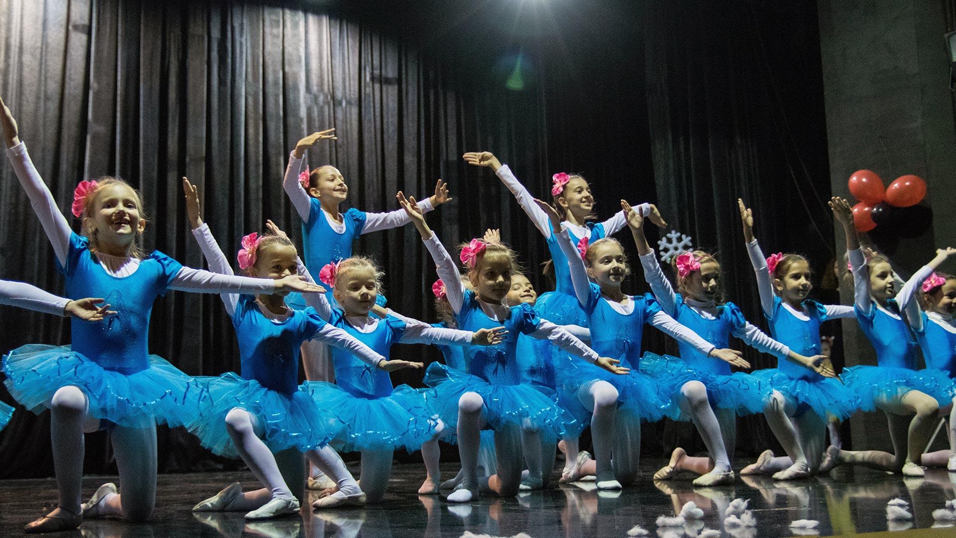 14-Детски-танцов-спектакъл-Пътешествие-към-дома