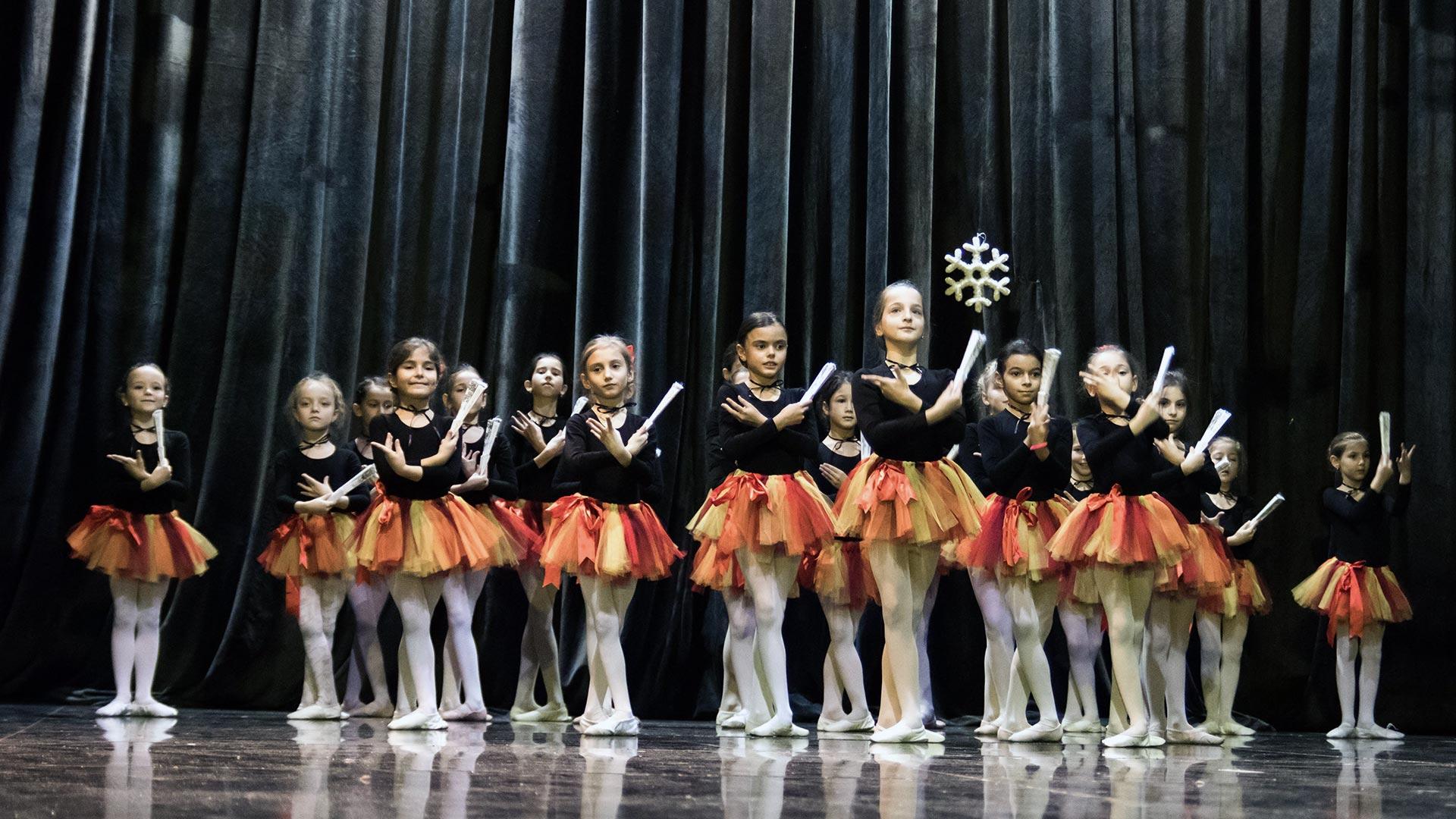 15-Детски-танцов-спектакъл-Пътешествие-към-дома