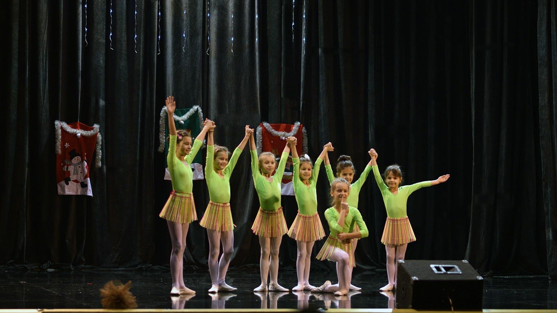 16-Детски-танцов-спектакъл-В-тихата-нощ