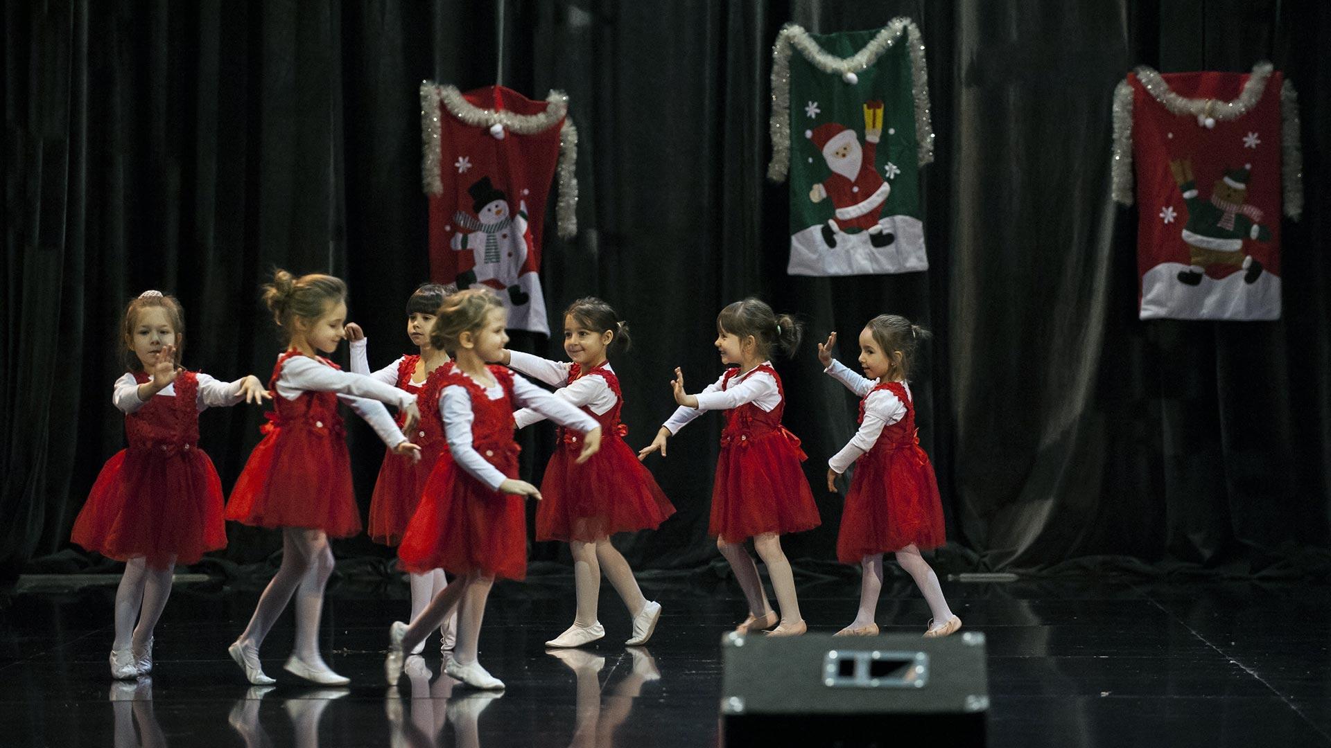 17-Детски-танцов-спектакъл-В-тихата-нощ