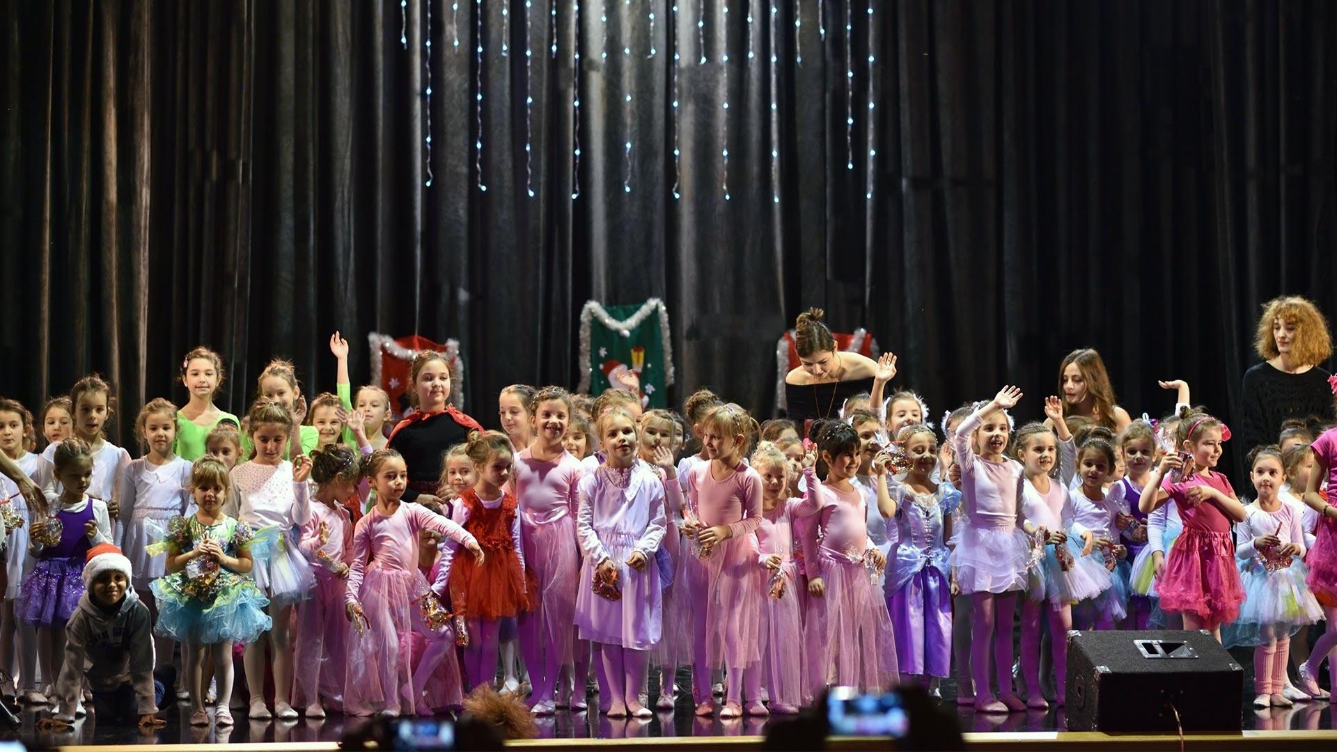 2-Детски-танцов-спектакъл-В-тихата-нощ