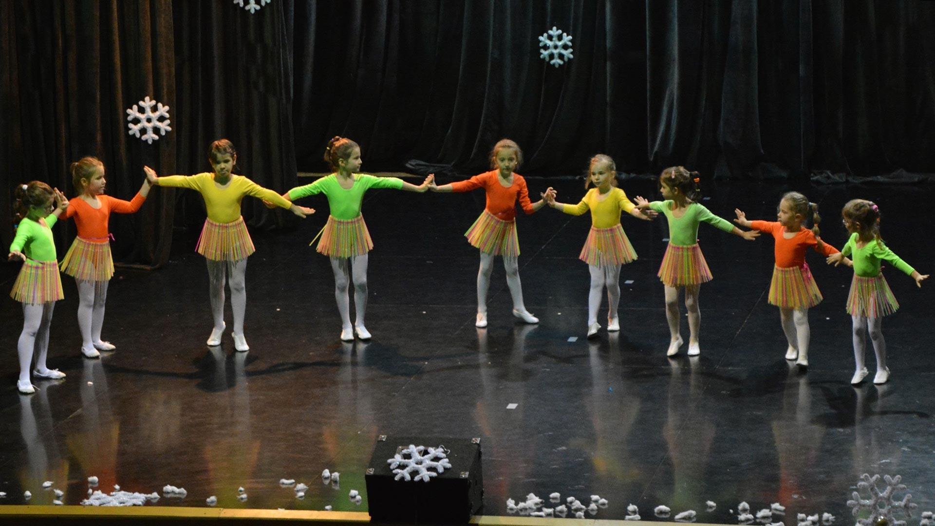 2-Детски-танцов-спектакъл-Пътешествие-към-дома