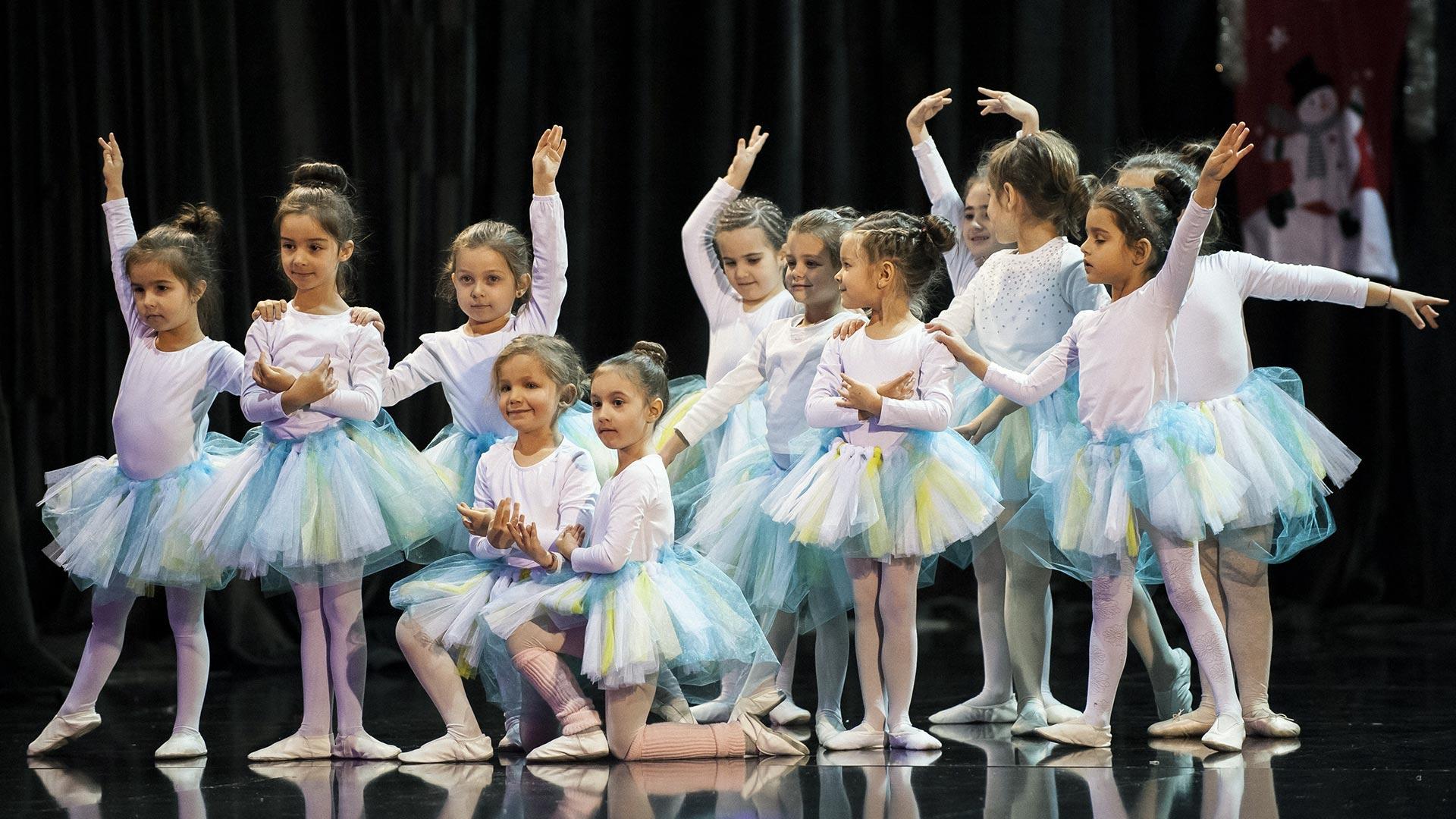 3-Детски-танцов-спектакъл-В-тихата-нощ