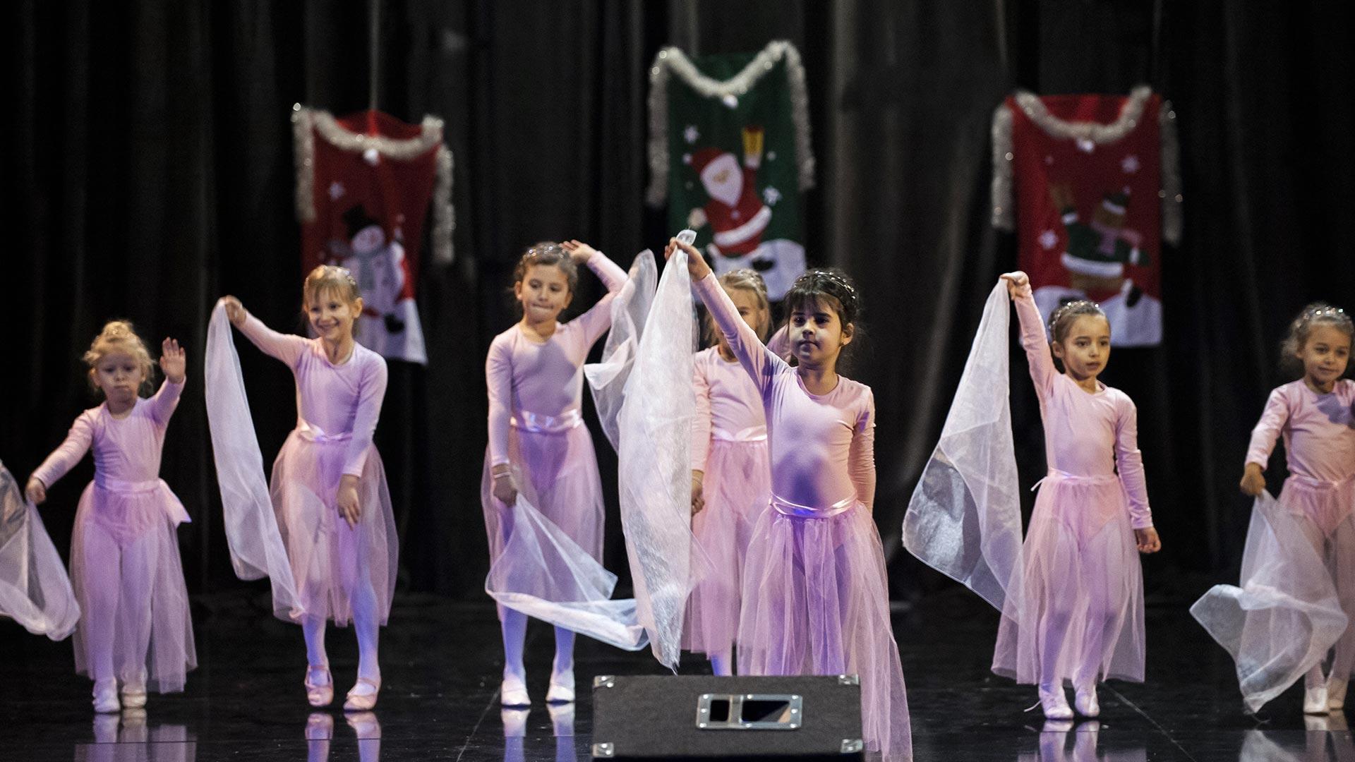 5-Детски-танцов-спектакъл-В-тихата-нощ