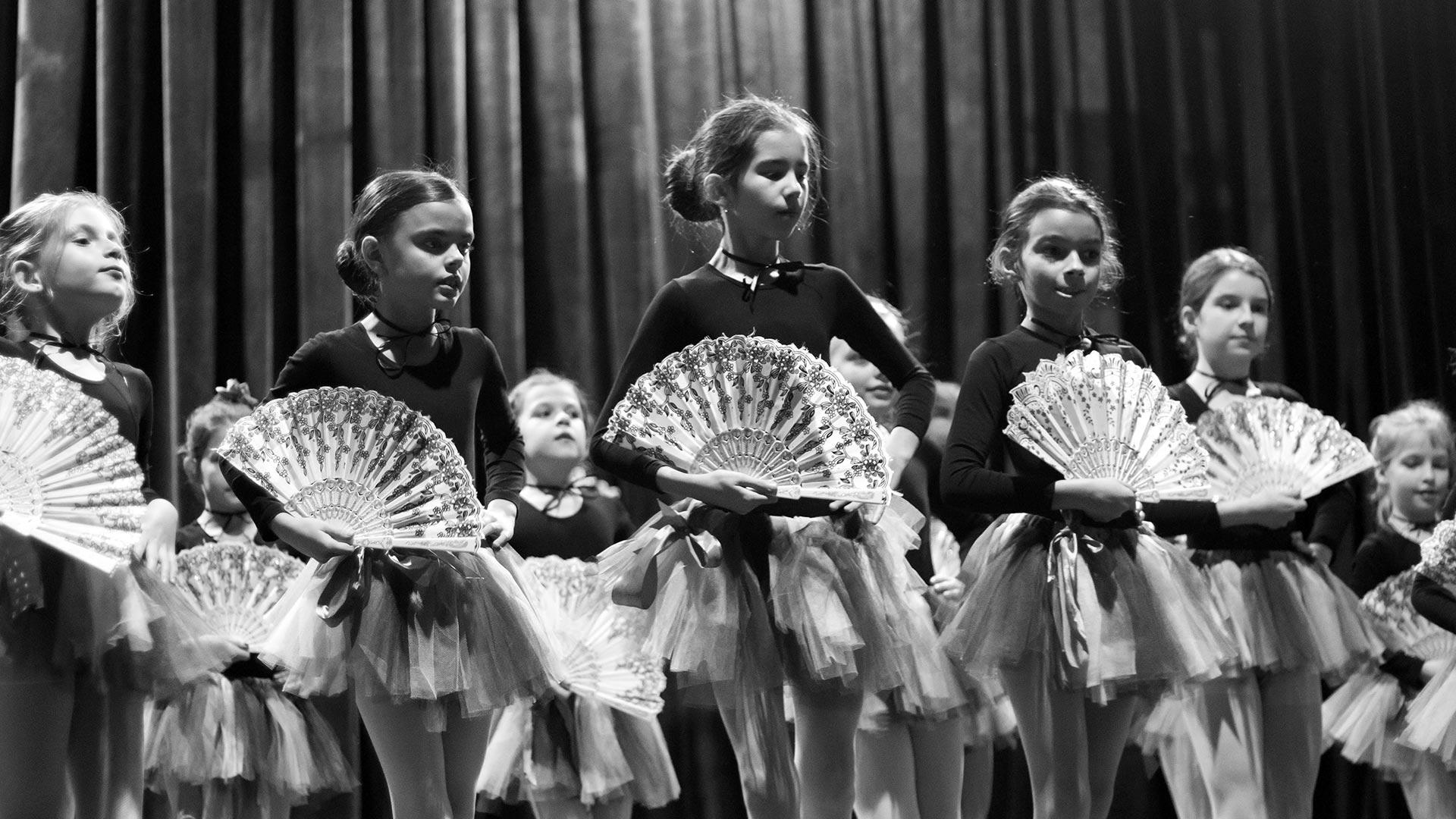 8-Детски-танцов-спектакъл-Пътешествие-към-дома