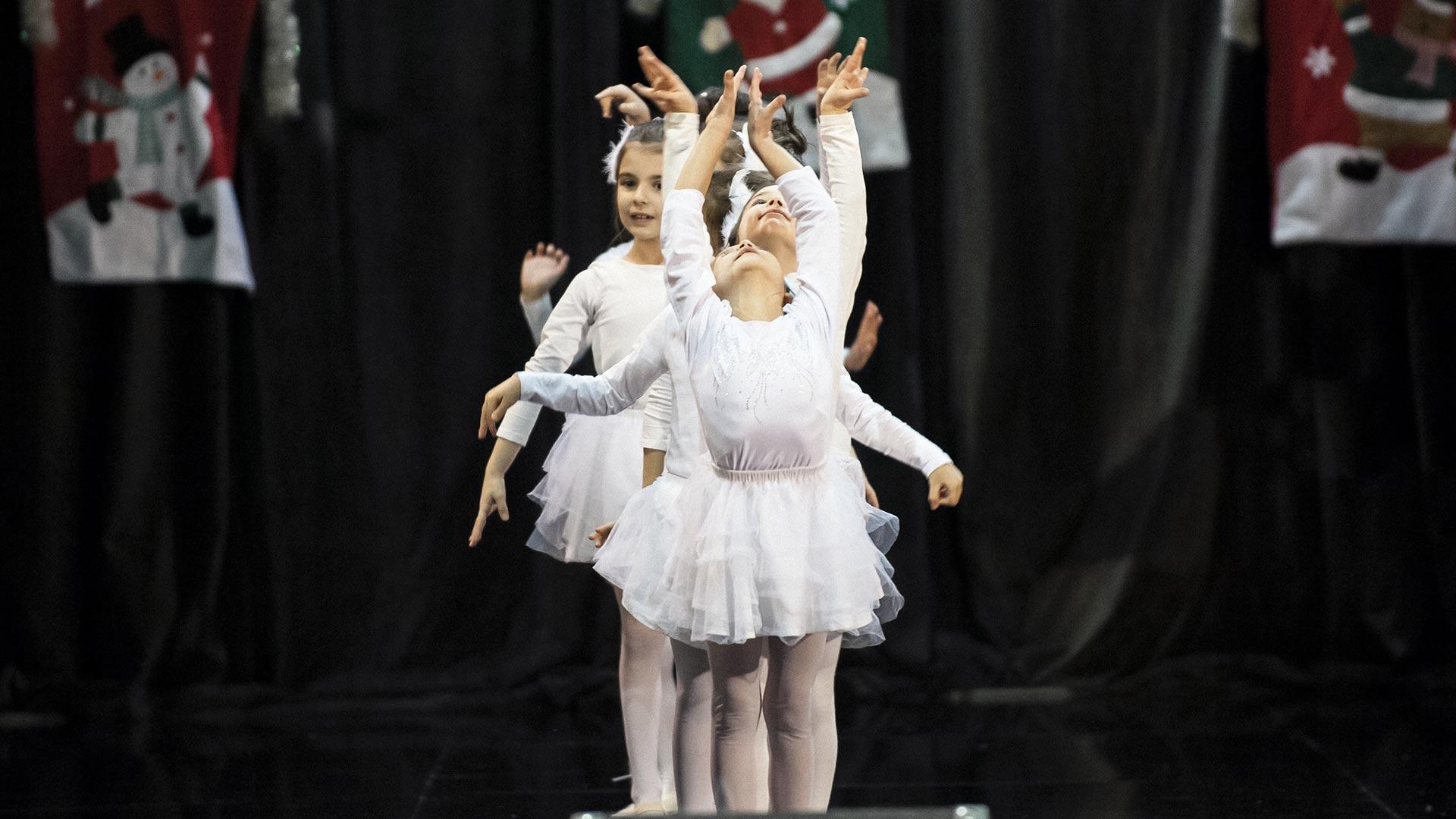 9-Детски-танцов-спектакъл-В-тихата-нощ
